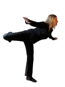 1189552_girl_in_black_clothes_-_balancing.jpg