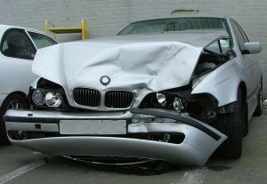 825017_crash_car.jpg
